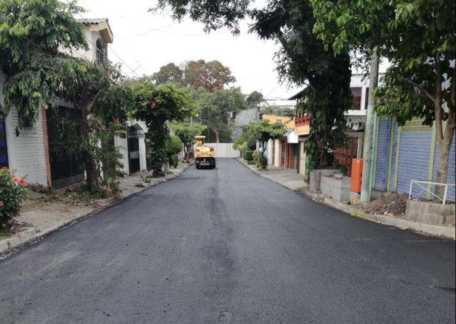 MOP recarpetea varias rutas de Mejicanos