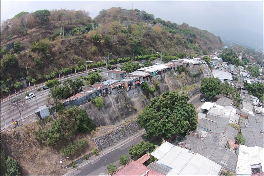 MOP da solución habitacional a familias de comunidades en derecho de vía Rancho Navarra, San Salvador