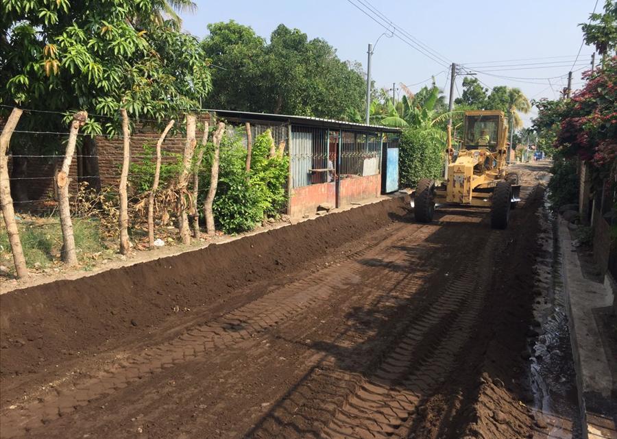 MOP inicia pavimentación de calle principal Colonia El Milagro Los Tubos, San Juan Opico, La Libertad