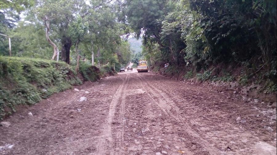 MOP avanza en pavimentación de 400 metros de acceso a Centro Escolar en Cantón El Coco, Chalchuapa