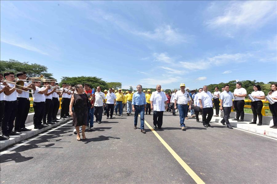 MOP entrega estratégico Puente El Progreso, sobre Río Lempa, que conectará a Chalatenango y La Libertad