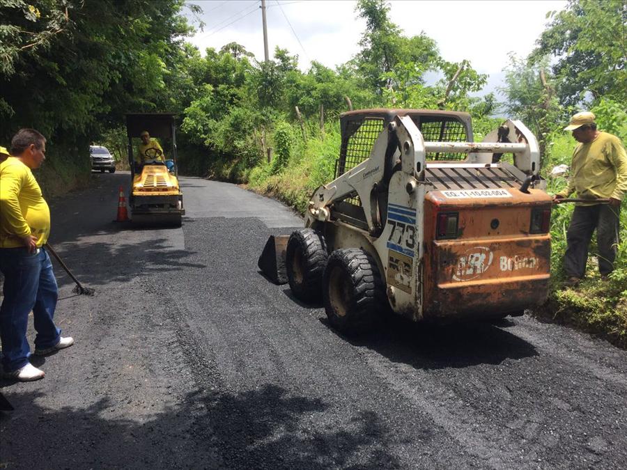 MOP pavimenta 1.5 kilómetros de calle Guaymango-San Pedro Puxtla, Ahuachapán