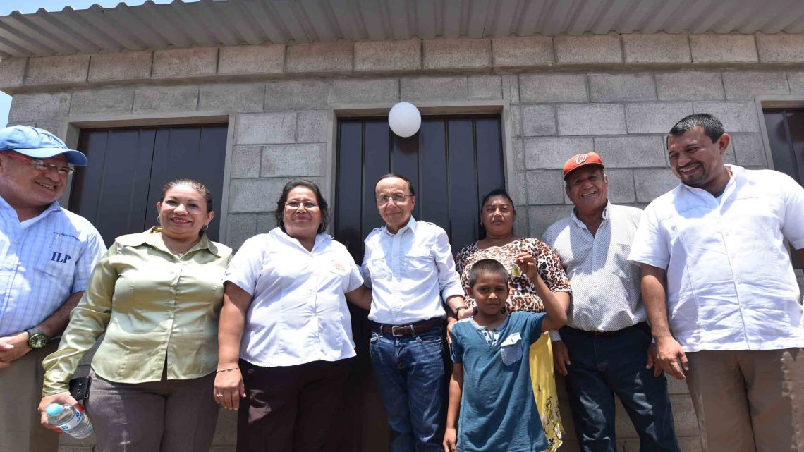 "Primeras 175 familias de San Pedro Masahuat reciben viviendas en nueva urbanización ""Villas de San Pedro"""