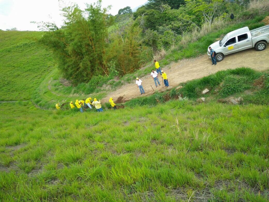MOP brinda mantenimiento a obras de protección ejecutadas en Cordillera del Bálsamo, La Libertad