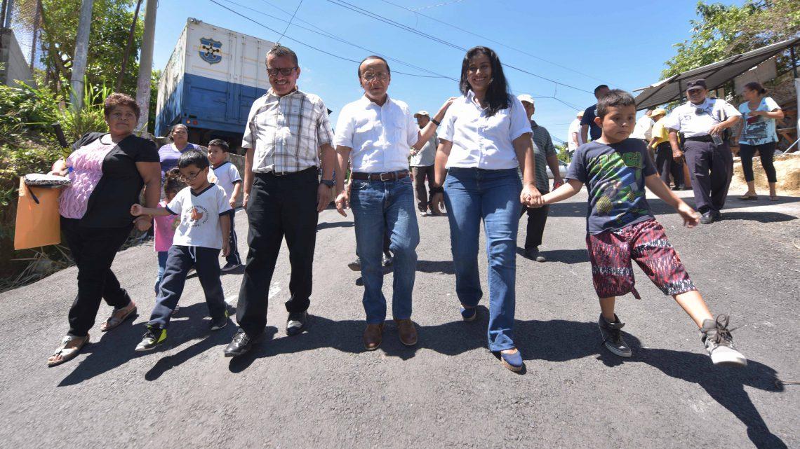 MOP inspecciona pavimentación en Prolongación Calle Padre Antonio Ibáñez, Apopa, San Salvador