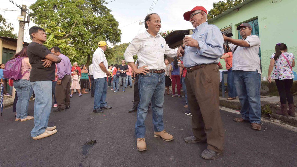 MOP entrega pavimentación de calles en Ciudad Delgado