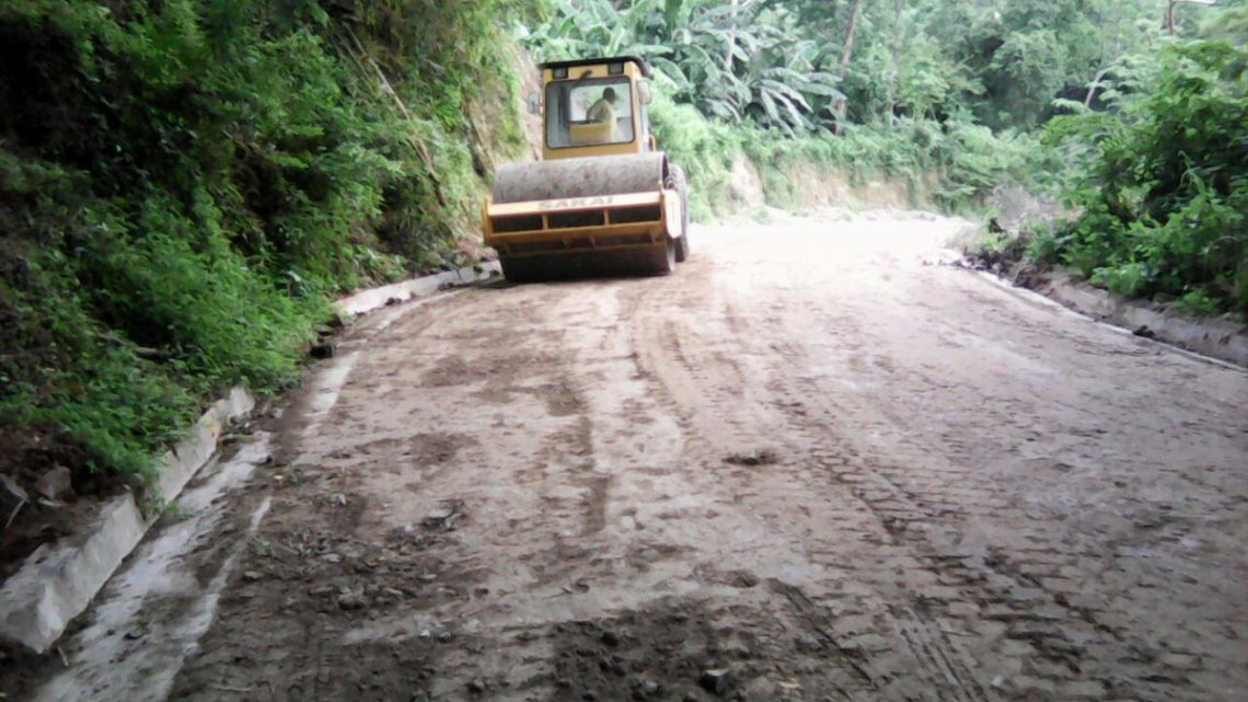 MOP avanza en pavimentación 1.5 km en San Antonio Masahuat, La Paz