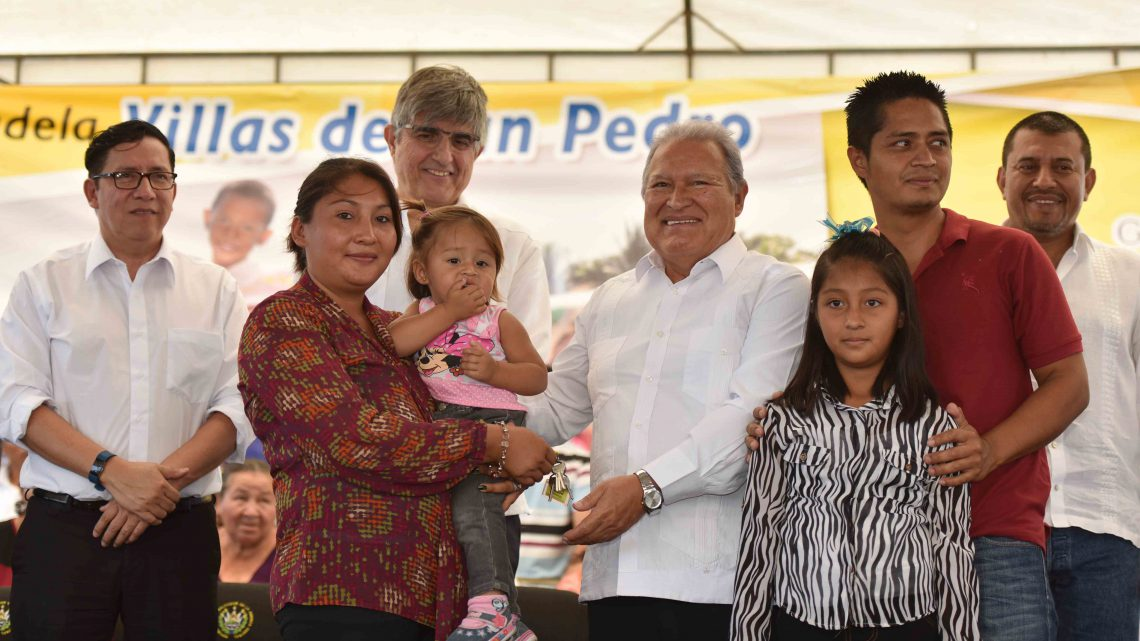 Gobierno entrega Nueva Ciudadela Villas de San Pedro a 250 familias de San Pedro Masahuat, La Paz