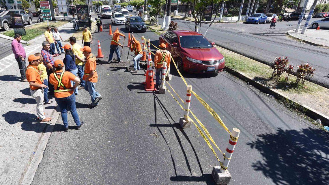 MOP interviene en tramo Alameda Manuel Enrique Araujo, por hundimiento