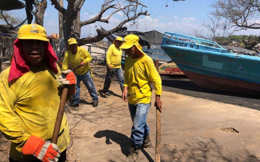 MOP recarpetea estacionamiento de Muelle Artesanal, Puerto de Acajutla, Sonsonate