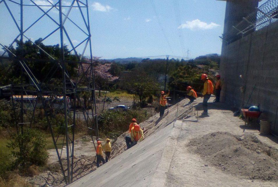 MOP avanza en 2da. Fase obras de drenajes y pavimentacion de calles para construcción de Centros Temporales de Reclusión Penal La Esperanza