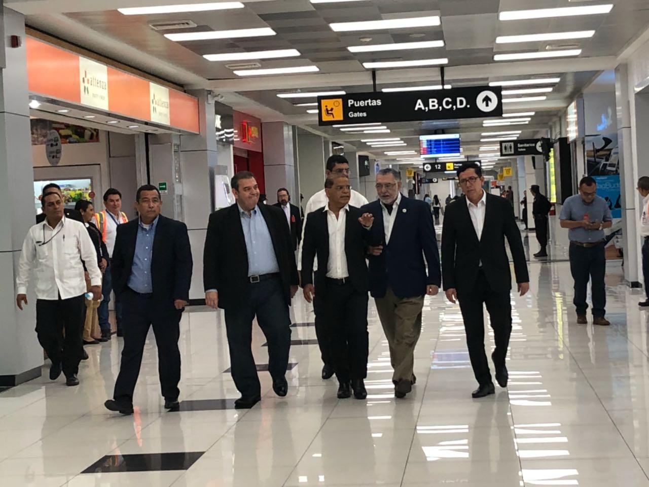 MOP participa en presentación nuevo Sistema de Despliegue de Información de Vuelos en Aeropuerto Internacional Monseñor Romero