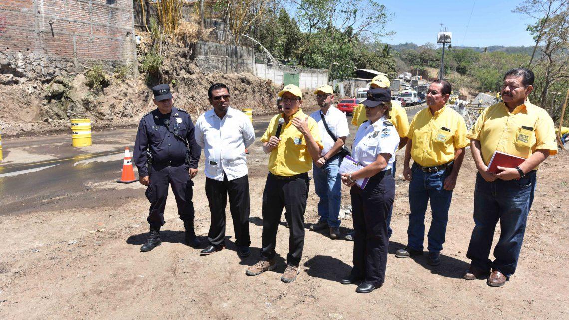 MOP anuncia dispositivo especial de manejo de tránsito en construcción Autopista al Puerto La Libertad por Semana Santa