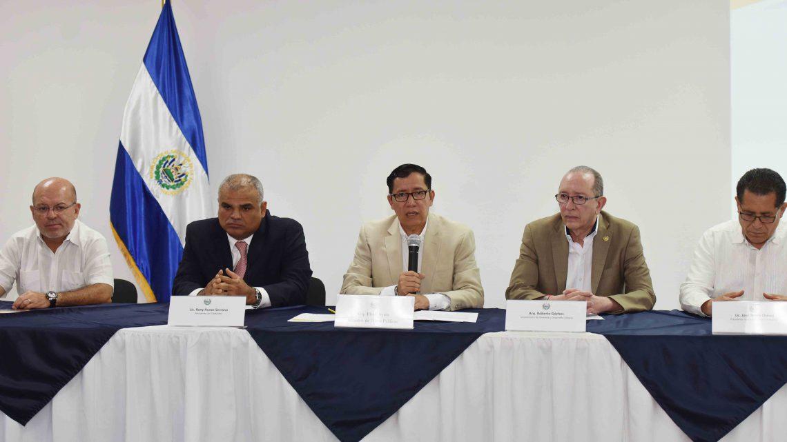 Gobierno entrega apoyo económico a 76 familias de comunidad El Espino