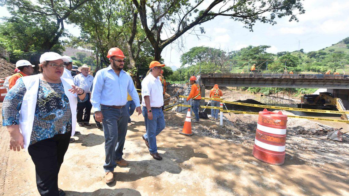 Puente definitivo sobre río Altina con avance del 70%