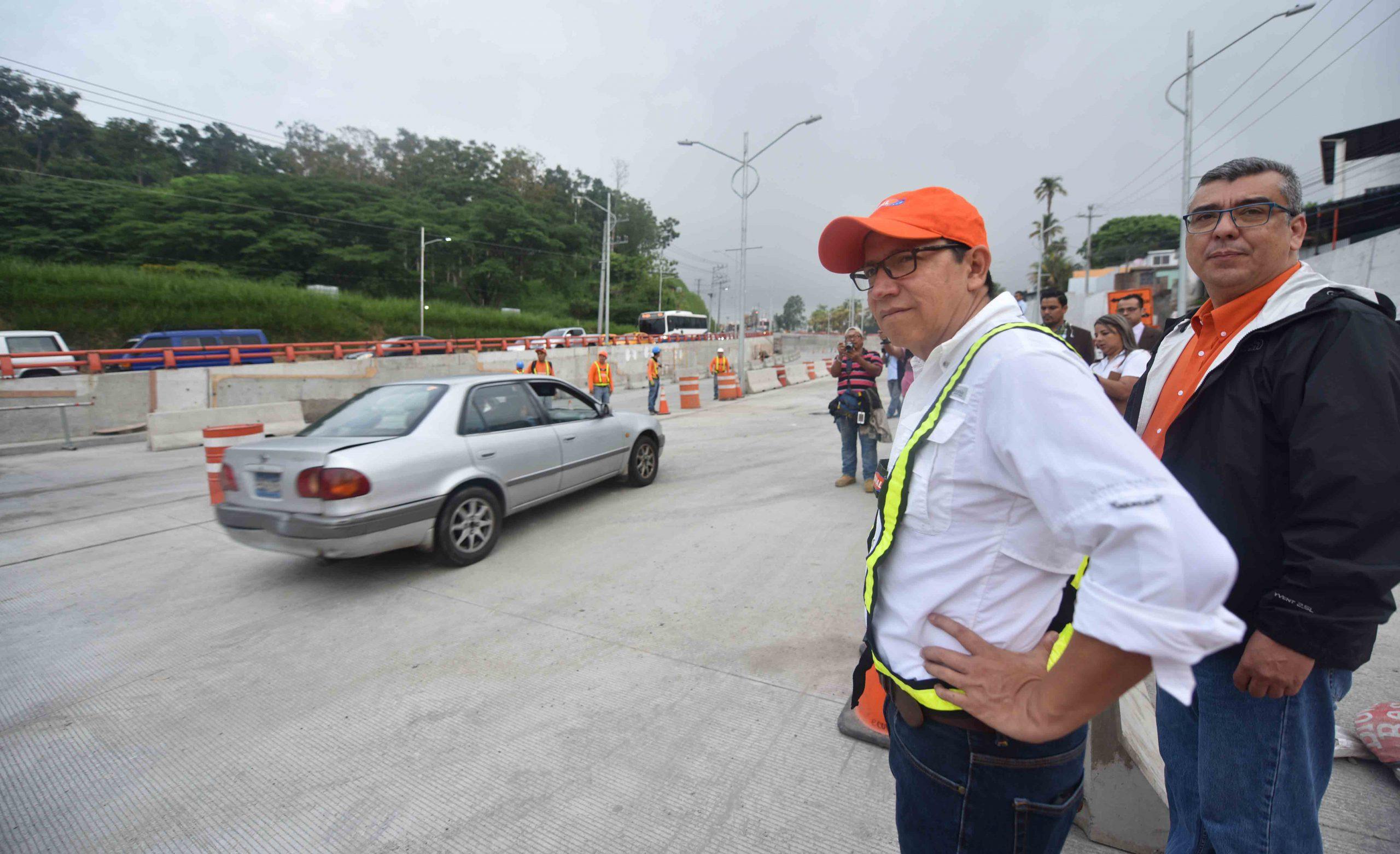 Ministro de Obras Públicas habilita dos nuevos carriles en paso Rancho Navarra