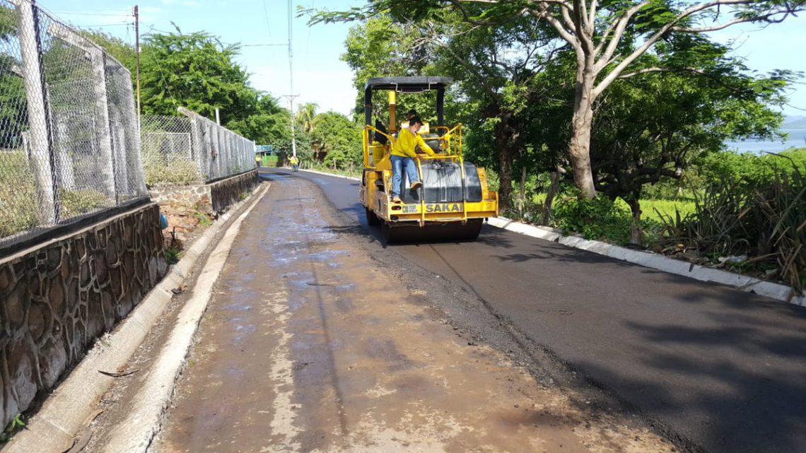 MOP por concluir pavimentacion tramo de 1.8 km de Punta El Chiquirín La Unión