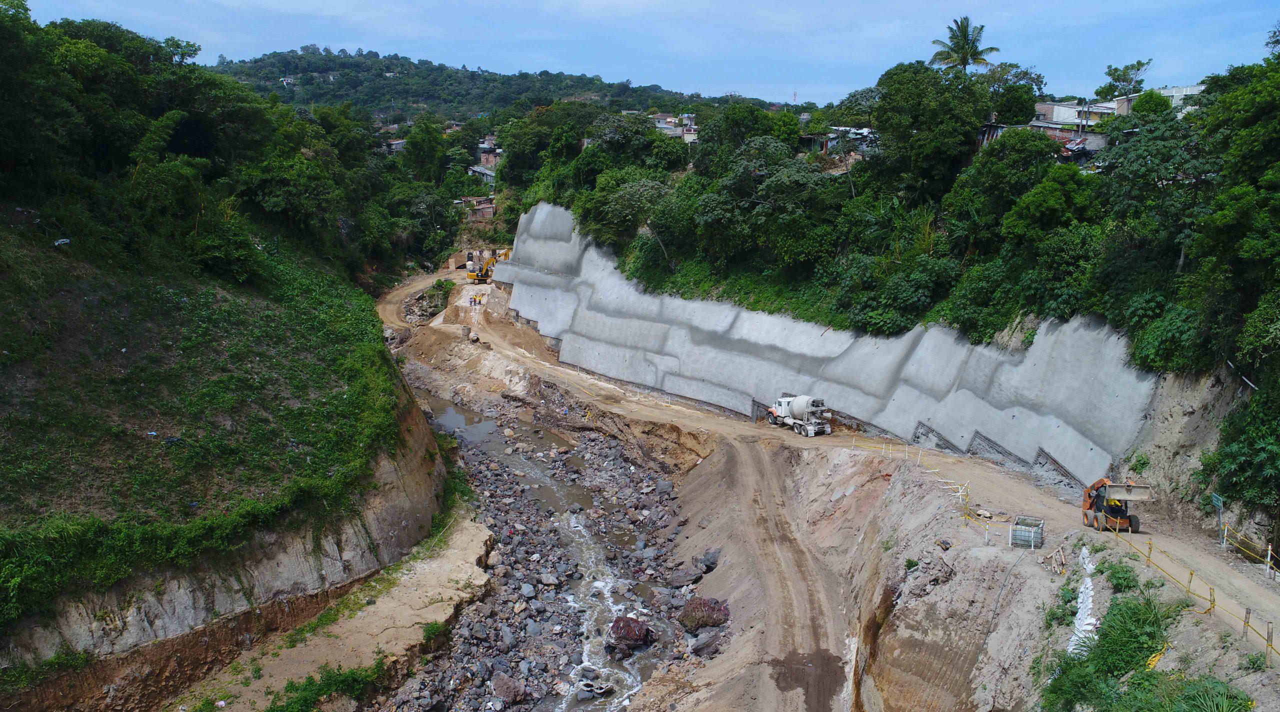 Avanza construcción de la primera laguna de laminación en Centroamérica para prevenir inundacioneAvanza construcción de la primera laguna de laminación en Centroamérica para prevenir inundaciones en sector Sur de San Salvador s en sector Sur de San Salvador