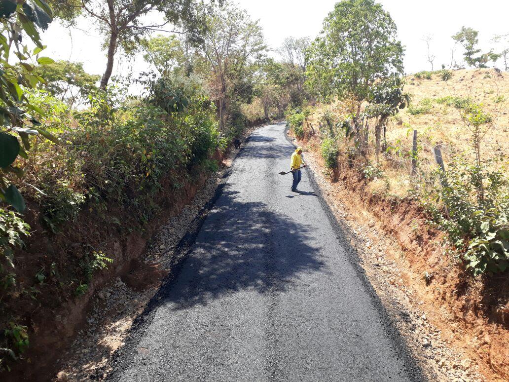 MOP avanza en pavimentación de Tramo El Mozote-Caserío Altomiro entre Meanguera y Arambala, Morazán