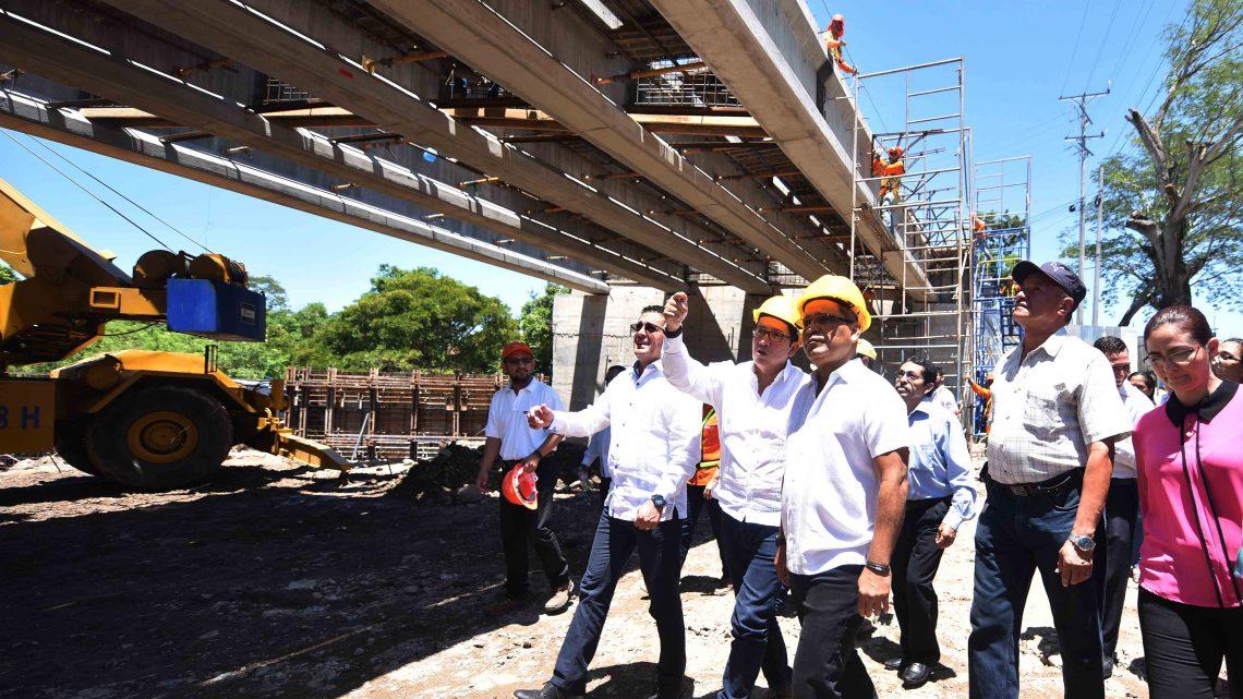 70 % de avances en construcción de puente definitivo sobre Río Motochico, Chalatenango