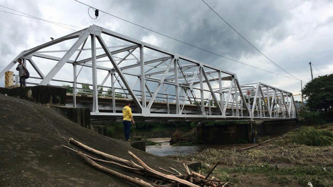 MOP inspecciona estado de puentes en Carretera del Litoral