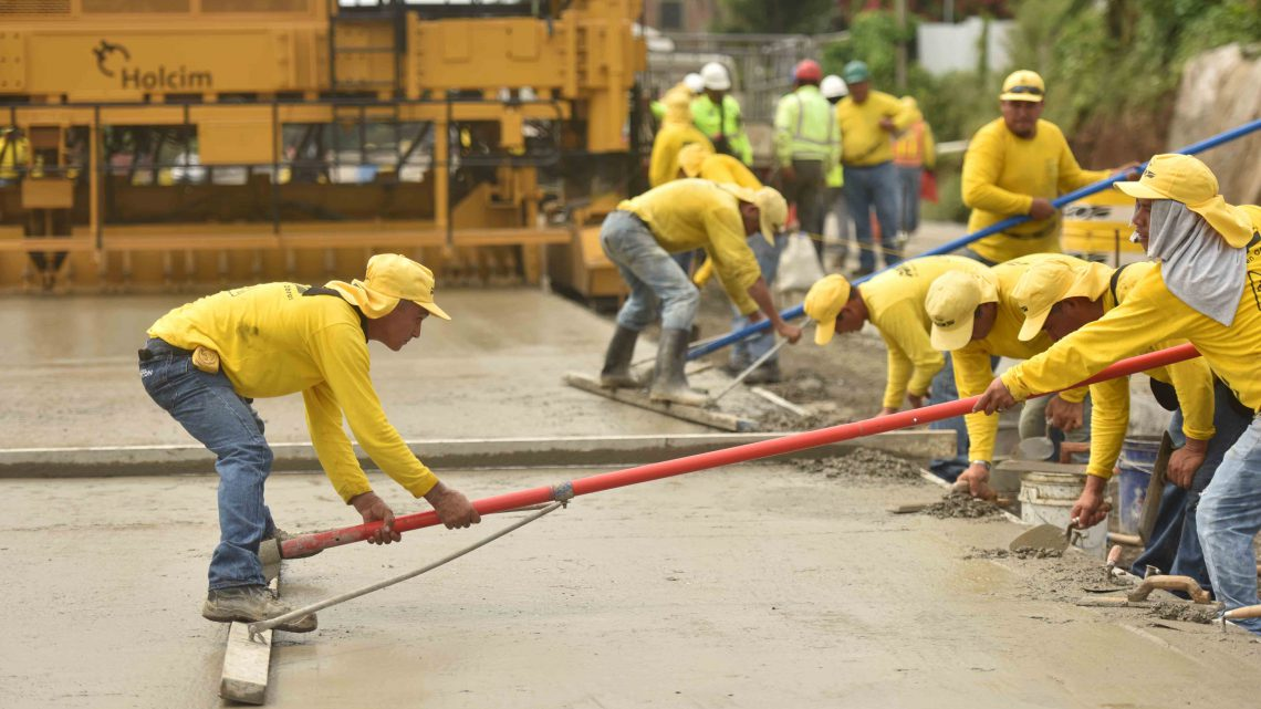 58 % de avance ampliación a 4 carriles Carretera al Puerto de La Libertad