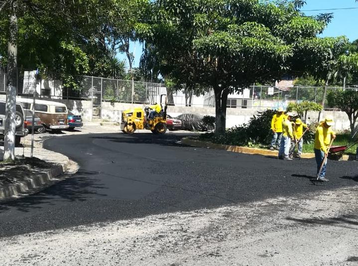 MOP recarpetea 950 metros de Calle México, Reparto Santa Clara, San Jacinto, San Salvador