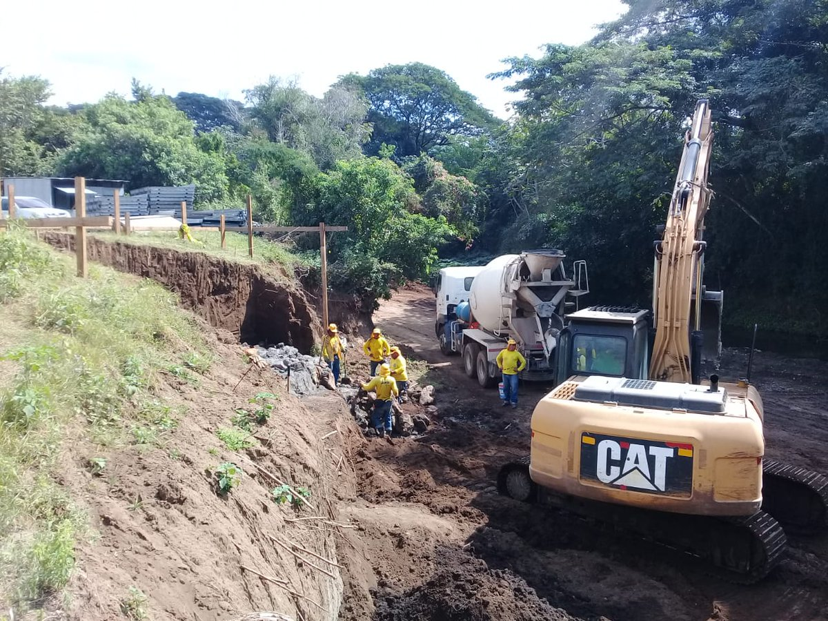 MOP construye puente sobre Río Roldan en Jiquilisco, Usulután
