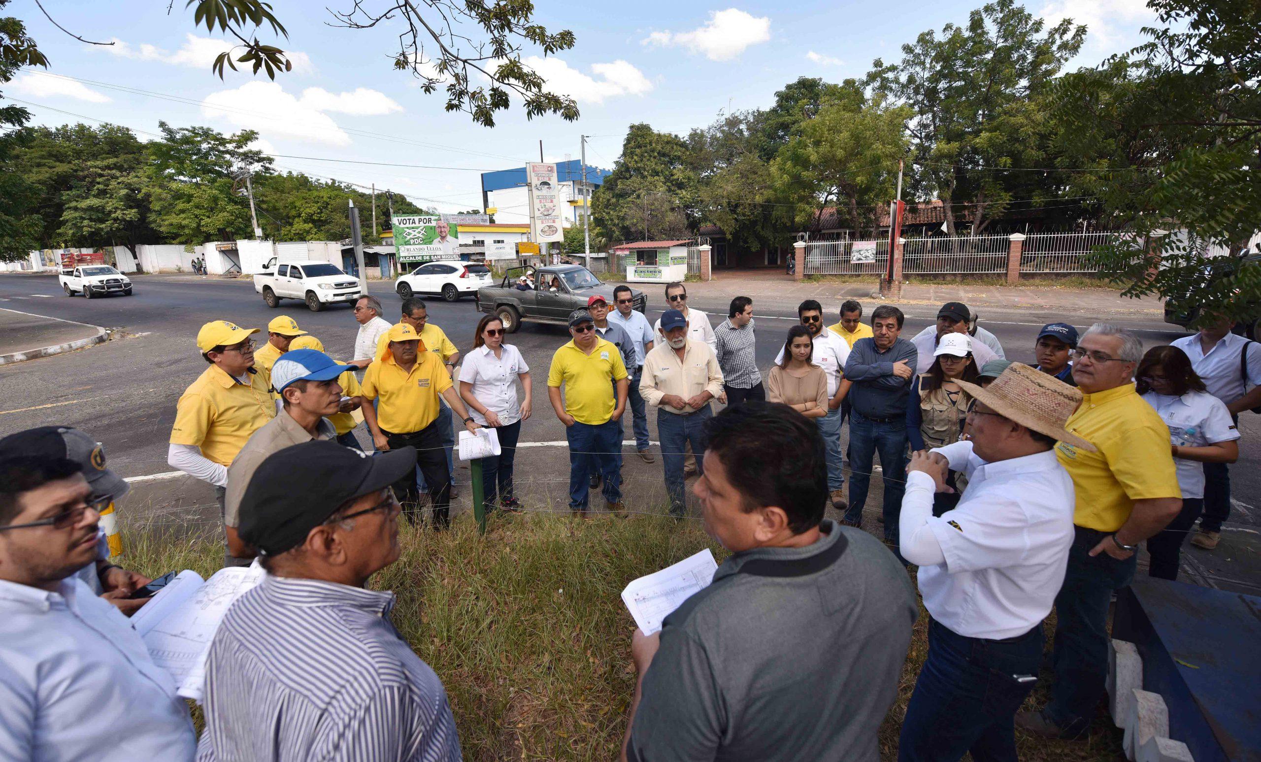 MOP y empresas calificadas para construcción bypass San Miguel hacen visita técnica a zona de proyecto