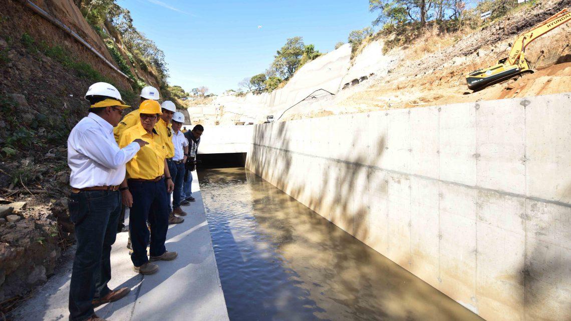 En funcionamiento canal de desagüe de primera laguna de laminación en Centroamérica para prevenir inundaciones en sector Sur de San Salvador