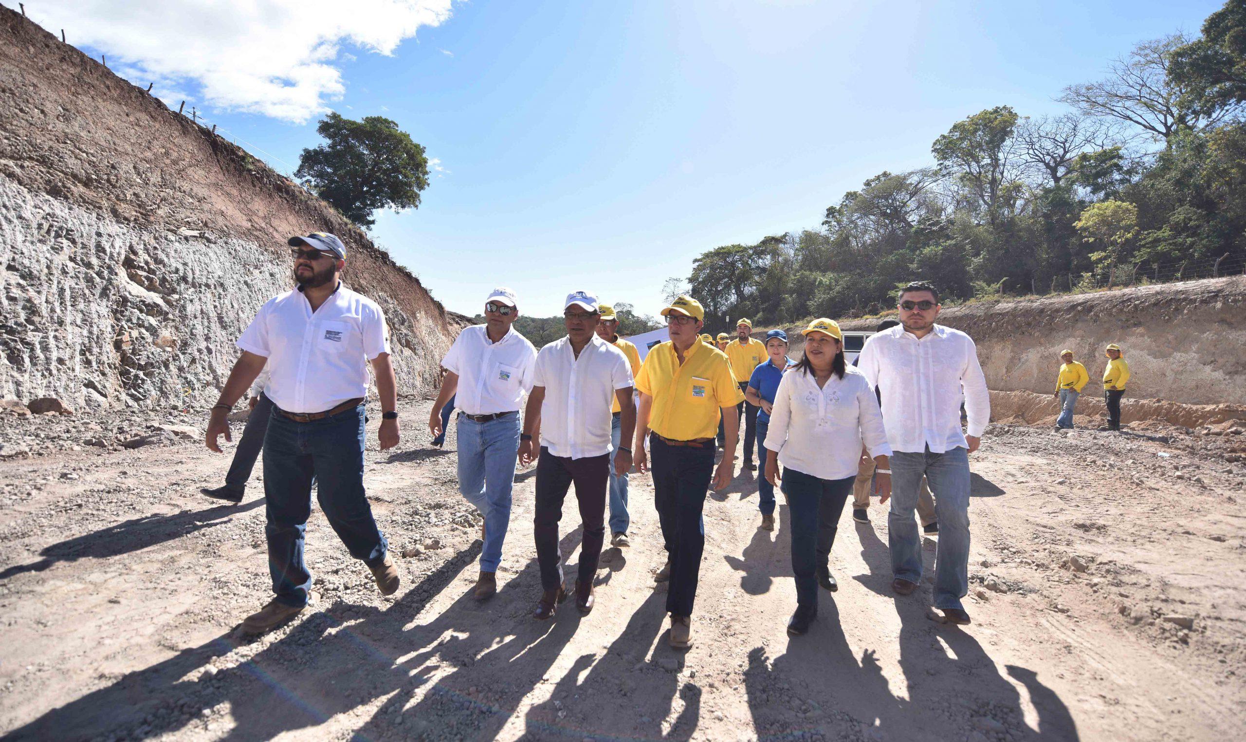 MOP conecta carreteras al Puerto de La Libertad y del Litoral
