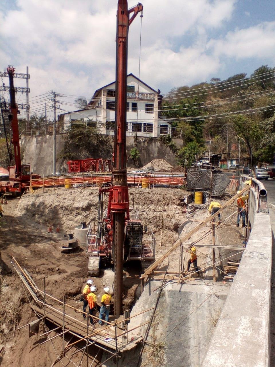 29.2% de avance construcción Puente Agua Caliente, sobre Río Acelhuate     San Salvador