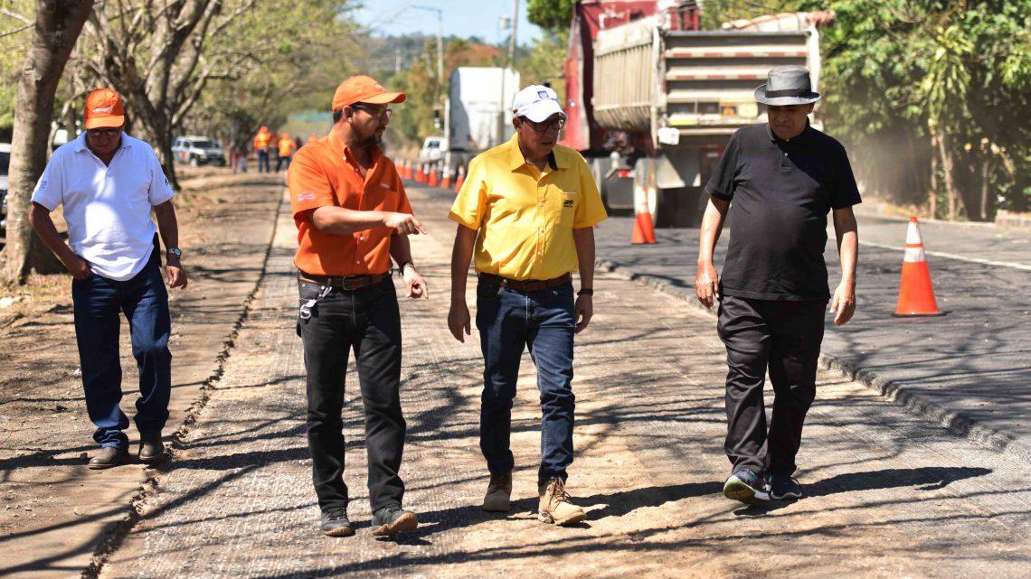 Ministro inspecciona avances en renovación de 11 kilómetros en ruta oriente