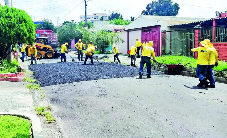 MOP trabaja en tareas de mantenimiento vial en 10 departamentos del país