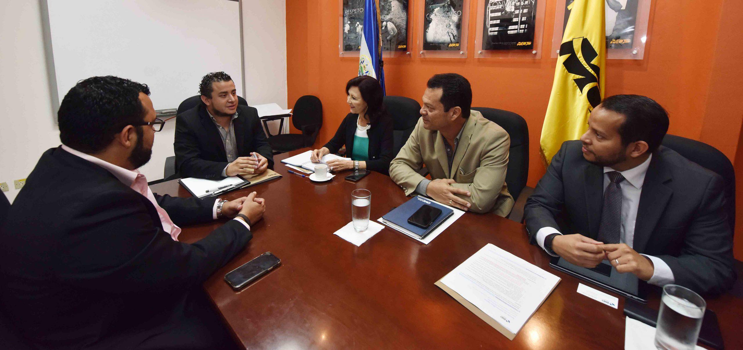 Ministro de Obras Públicas se reúne con organismos cooperantes BID y JICA