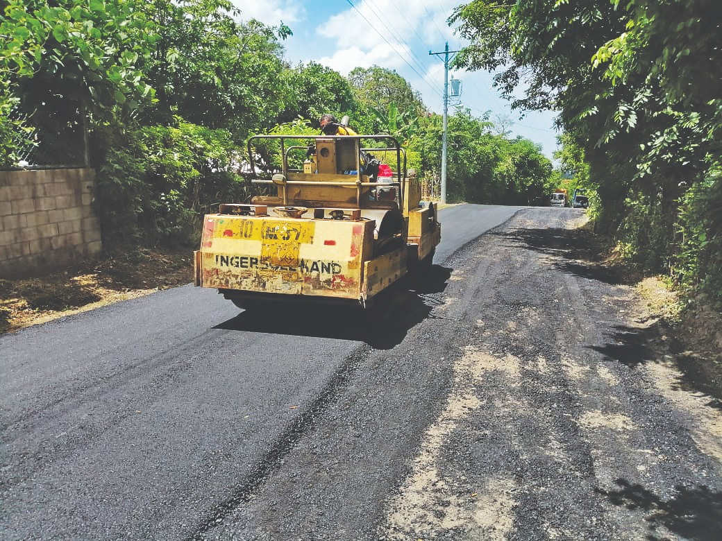 MOP pavimenta 1.3 kilómetros de calles en Rosario de Mora, San Salvador