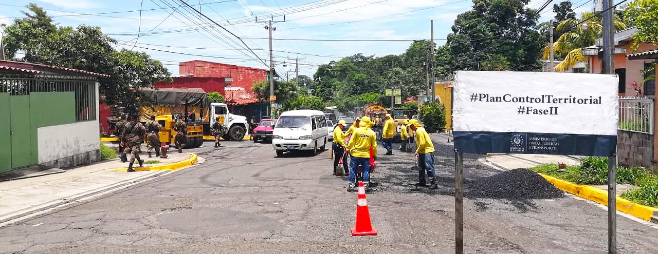 MOP inicia pavimentación de calle Residencial San Pedro, Mejicanos