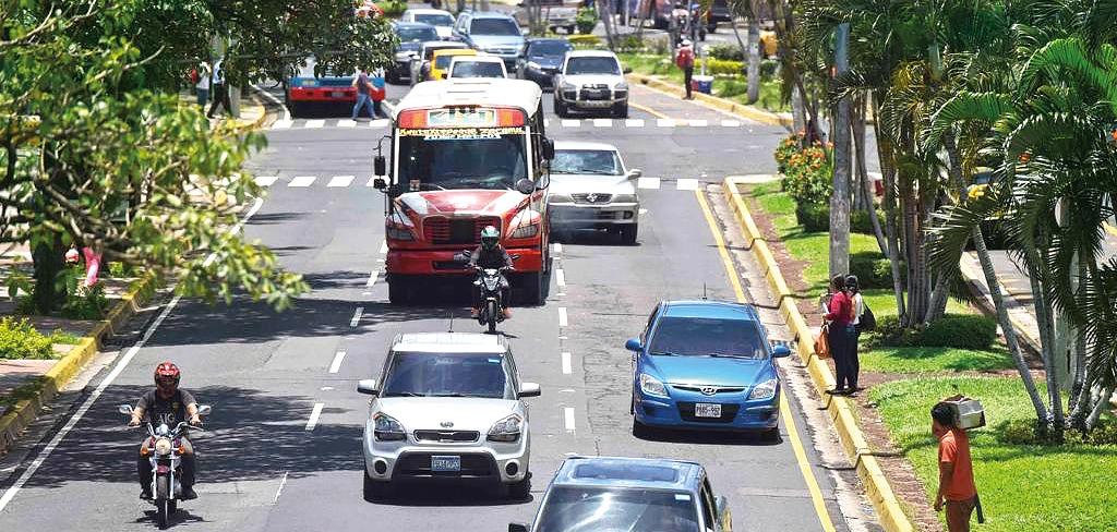 MOP recibe de BID estudio de movilidad del Área Metropolitana de San Salvador