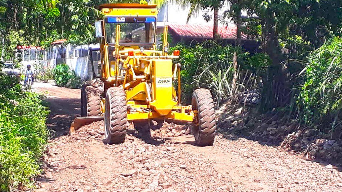 MOP avanza en pavimentacion de 3 kilómetros de calle Cantón San José Chalatenango