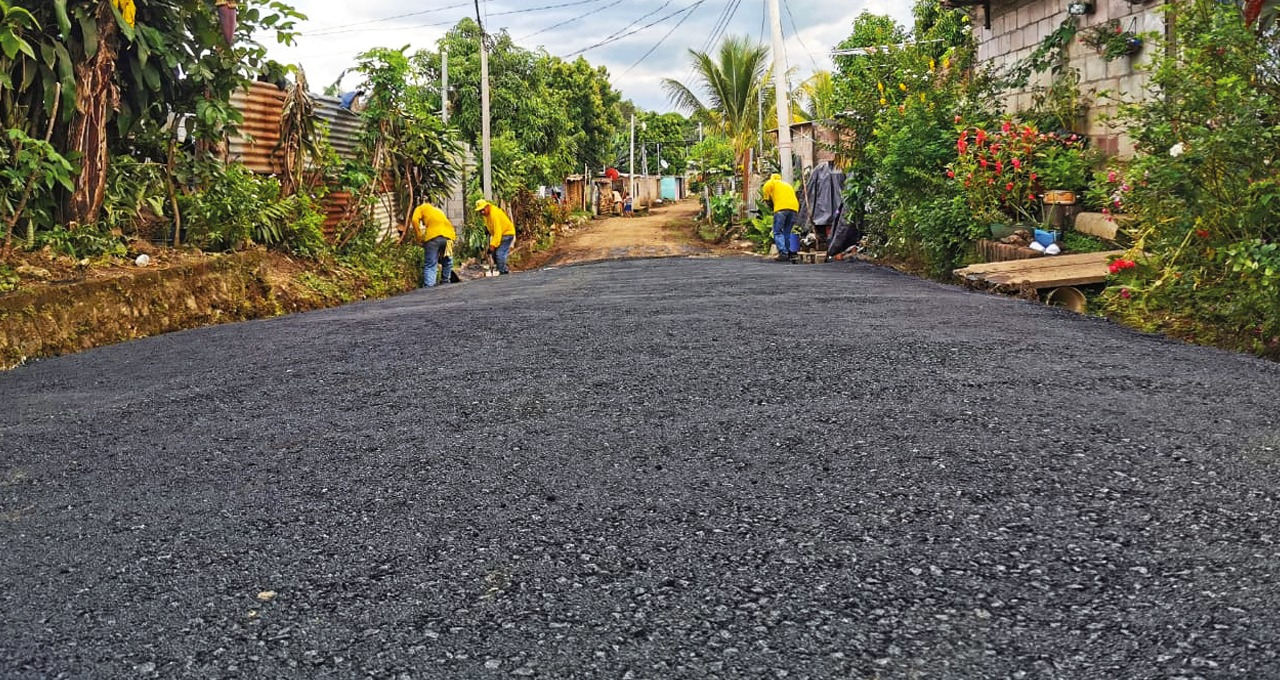 MOP inicia fase 2 de pavimentación de calle de acceso a Comunidad Emanuel, Santa Ana