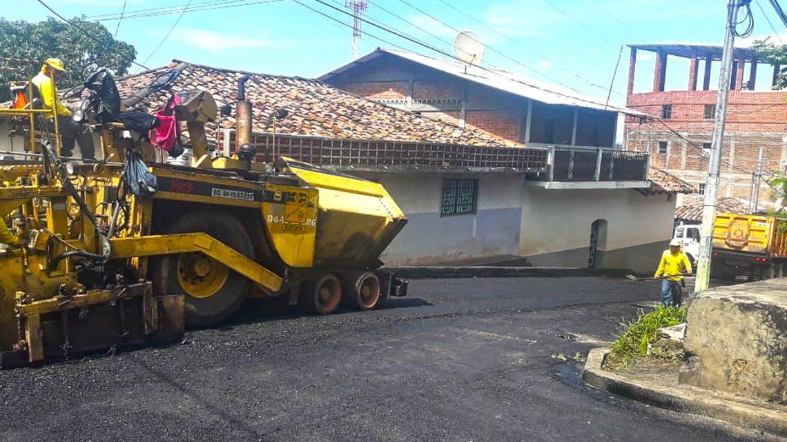 Pavimentamos 3.2 kilómetros de calles de Cacaopera, Morazán