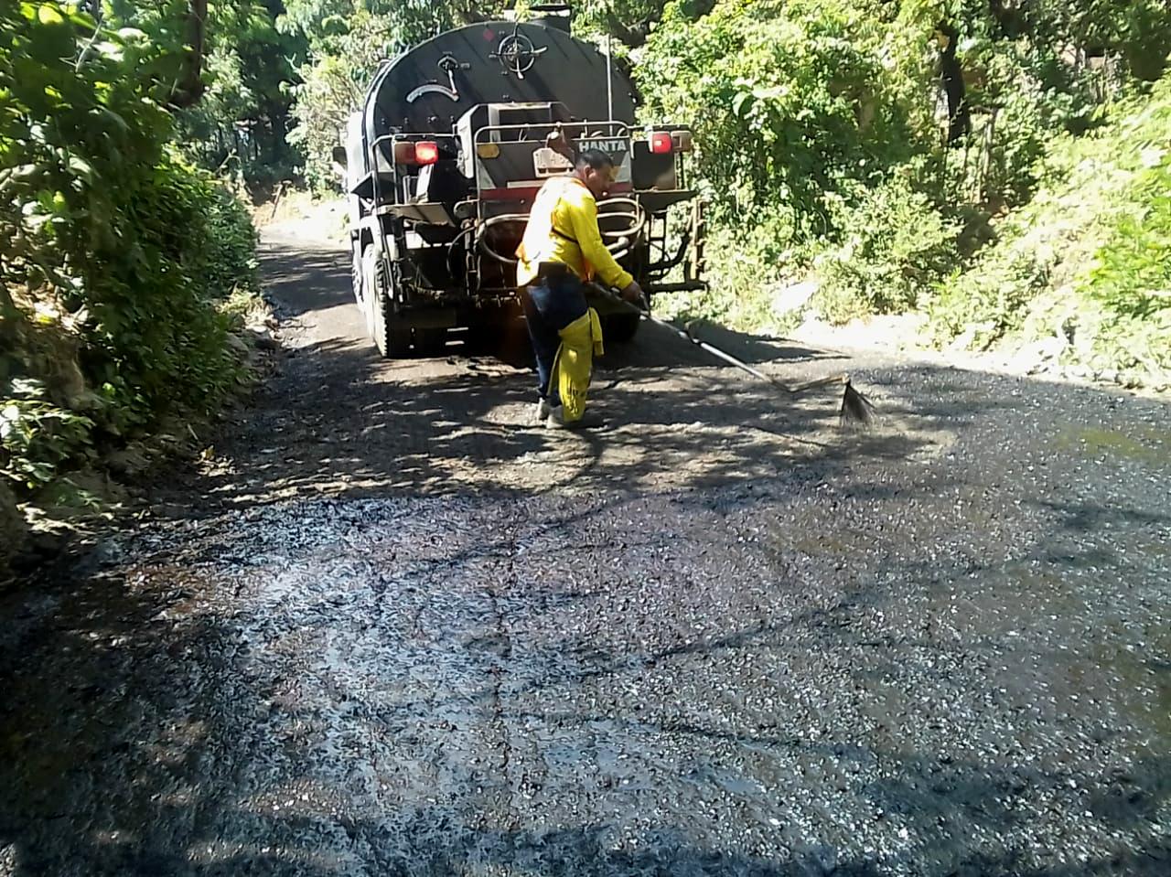 Beneficiamos a las comunidades de San Juan Nonualco, La Paz, con pavimentación de 1 kilómetro de calles