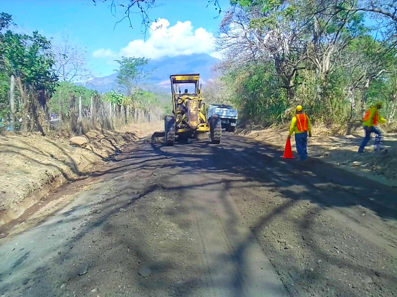 MOP pavimentará 2 kilómetros entre los cantones La Esperanza y El Palomar, en Tecoluca, San Vicente