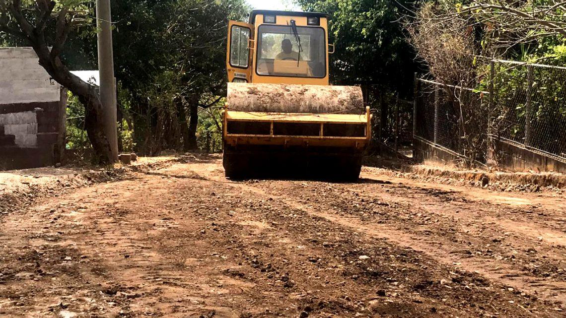Iniciamos la pavimentación de la calle en Cantón Guachipilín, Rosario de Mora, San Salvador