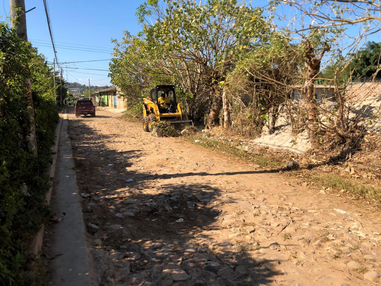 Pavimentamos 1.5 kilómetros en Colonia Helen 2, Ilobasco, Cabañas