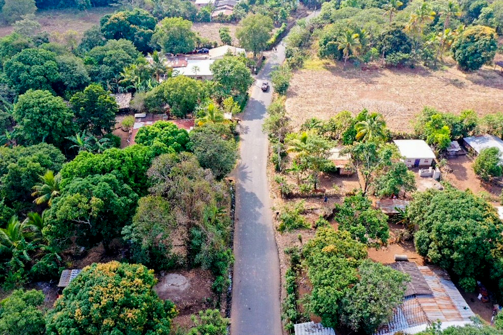 Pavimentamos 1.8 kilómetros de carretera que conduce a Cantón La Montañita, Turín, Ahuachapán
