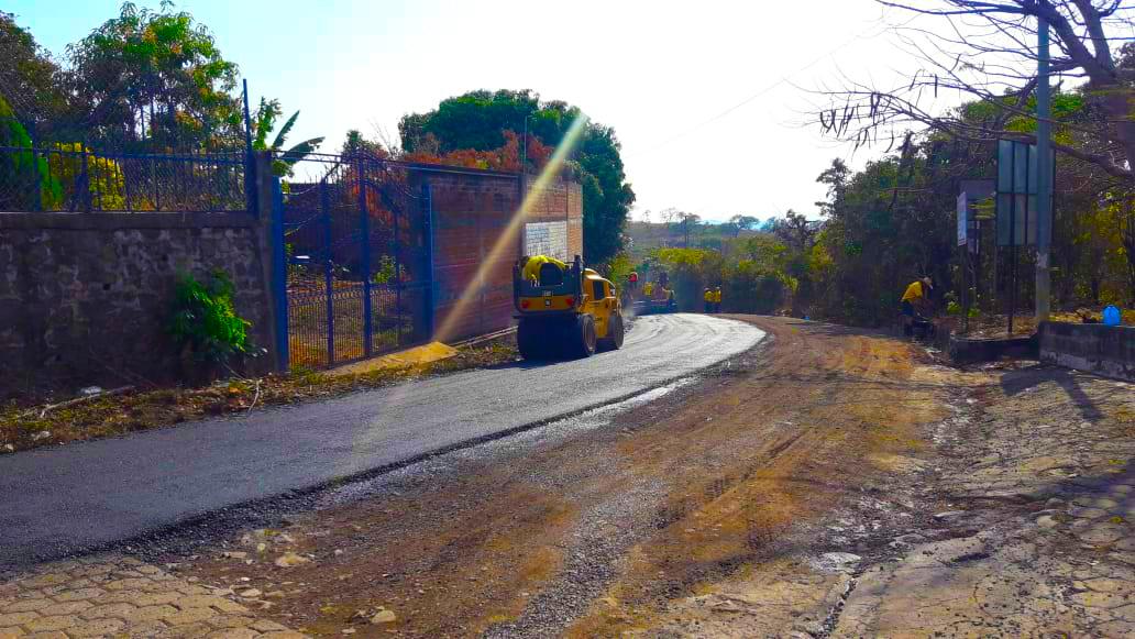 MOP pavimenta 1.3 kilómetros entre Uluazapa-Yucuaiquín