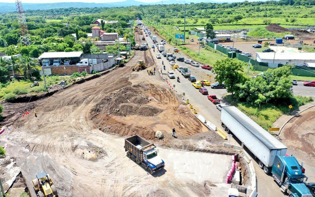 Avanza construcción del Periférico Gerardo Barrios